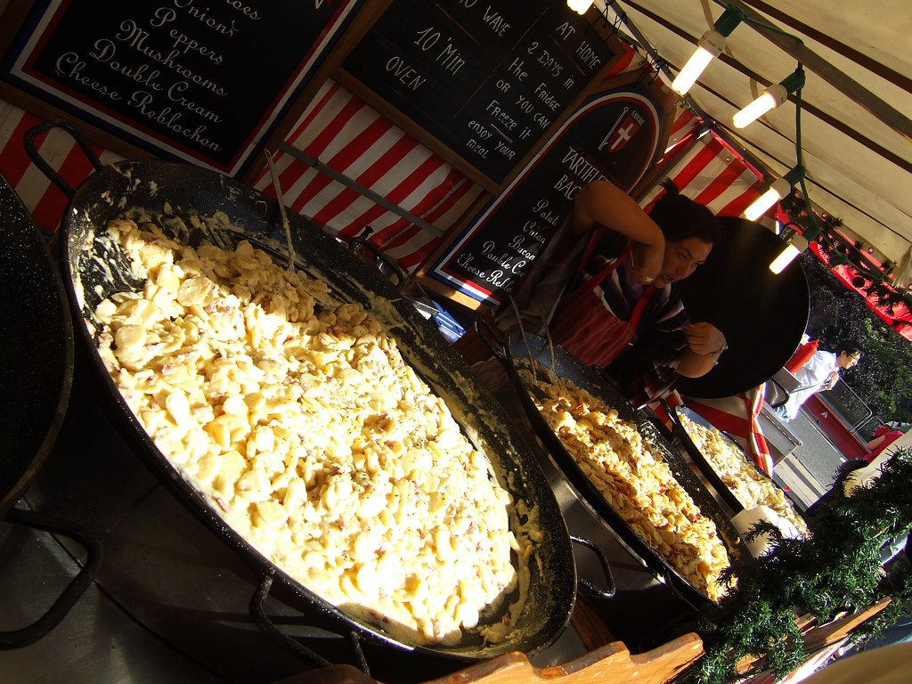 French market in Edinburgh 4