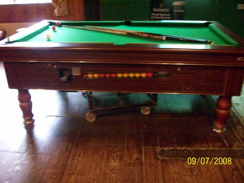 Ireland - Ring of Kerry Tour - Red Fox Pub  snooker table