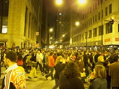 Michigan Avenue Election Night Chicago (Ray Cunningham) Tags: park november party usa chicago night noche illinois election nacht michigan grant united 4 victory states avenue 2008 nuit obama notte  barack  staaten  tatsunis vereinigten raycunningham raymondcunningham zaruka raymondkcunninghamjr