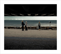 Which way now? (©Komatoes) Tags: uk blue sea sky cold beach clouds seaside sand nikon october waves seagull kitlens bluesky explore devon 1855 2008 d40 devonbeach nikond40