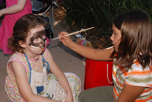 Violet, face painting artiste
