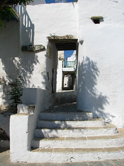Entra al Castro (Carlitos) Tags: island europa europe greece grecia hora isla chora cyclades folegandros ellda  cicladas