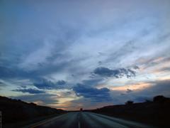 Atardecer Carretera 57 - SLP México 2008 8157 (Lucy Nieto) Tags: road sunset sky méxico sunrise way mexico atardecer camino carretera amanecer cielo sanluispotosí sanluispotos