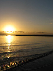 Sun, Sea and Waves (Fey Child) Tags: beach water sunrise reflections dawn sandgate brisbanemeetup