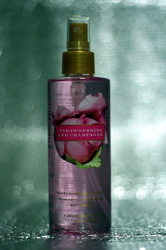 Victoria's Secret - Strawberries and Champagne