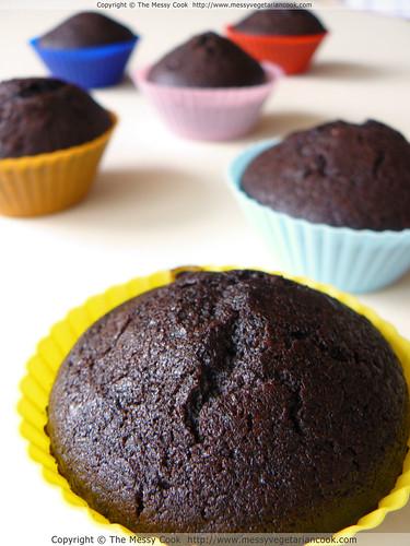 vegan chili, chocolate, and cinnamon muffins