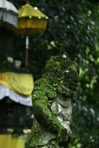 Tirta Empul statue