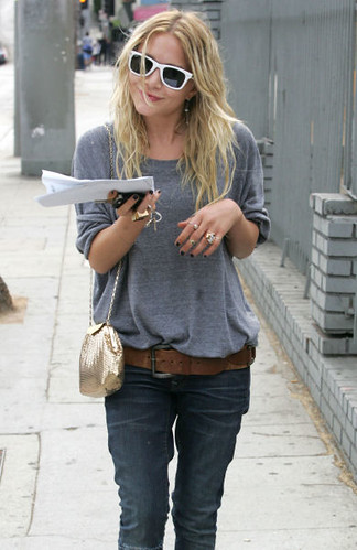mary kate olsen by K.F.L..