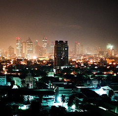Manila Nights (It's Stefan) Tags: city light cidade sky urban luz skyline night lights noche licht asia southeastasia skyscrapers nacht philippines ciudad cu stadt highrise manila noite urbano asie luzes   notte metropol metropole gkyz  gece  k       gkdelenler   yksek  ehir  arranhacus katl  klar 1on1urban kentsel  filipinler  gneydouasya