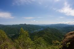 札幌湖を見下ろす