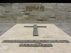 Sofoklis Venizelos (1894-1964) (Tilemahos Efthimiadis) Tags: grave tomb hellas greece crete peninsula tombs chania venizelos eleftherios κρήτη sofoklis ελευθέριοσ βενιζέλοσ χανίων ακρωτήρι τάφοσ τάφοι σοφοκλήσ βενιζέλων