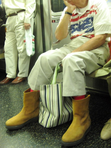 USA Fashion on New York Subway