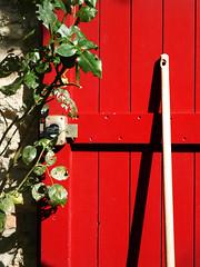 Couleur Provencale (Jerome Mercier) Tags: leica red color rouge porte leicadigilux3 digilux3 jeromemercier jeromemercierphoto jmbook bookjm