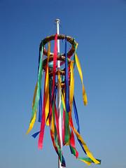 colors (Christine Gerhardt) Tags: germany deutschland wind wetter fellbach windspiel fellbacherherbst christinegerhardt sonyw170