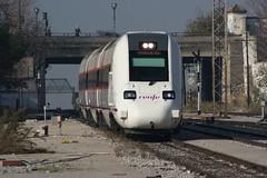 598_Granada_01-12-2007 (José Francisco_(Fuen446)) Tags: train tren trenes trains granada railroads renfe automotor 598 diésel 10millionphotos s598 automotordiésel