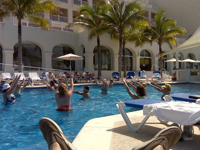 cozumel palace ... water aerobics??? :]