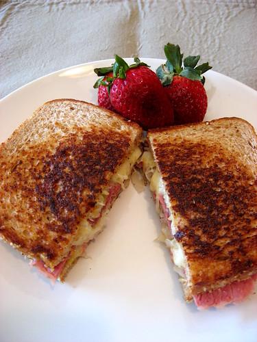 Ruben sandwiches 004