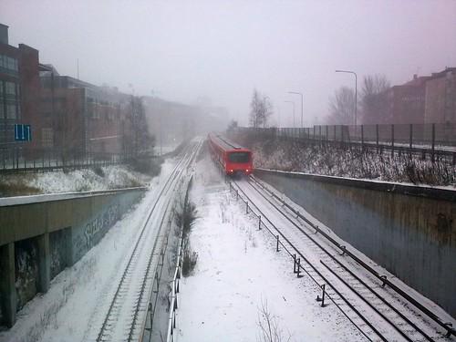 Metro lumisateessa