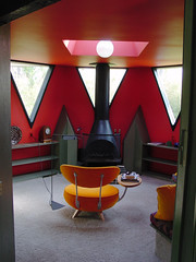 Nicol Residence by Architect, Bruce Goff - Red Sitting Room Pod (moderns_r_us) Tags: modern ks mo kansascity missouri kansas midcenturymodern midcentury organicarchitecture goff brucegoff kansascitykansas kansascitymissouri kcmodern organicmodern nicolresidence kcmodernblogspotcom frankloydwrightbuildingconservancy outandaboutwrightkansascitytour