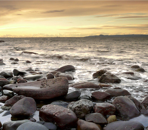 Sky rocks and sea 05Dec08