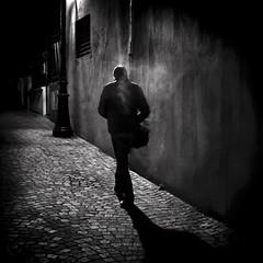 Laisser le pass derrire soi (Thibaut Lafaye) Tags: light bw cinema paris me night square noir walk atmosphere moi present format behind polar soir past et nuit blanc nocturne soi futur carr derriere ambiance pass pav marcher pavment lumier traitement artlibre avanc artlibres winner500