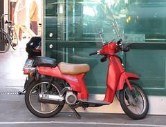 Piazza Duomo/via Silvio Pellico - Milano (milano jungle) Tags: milan milano scooter duomo motorino piazzaduomo abbandono degrado viasilviopellico milanojungle 0drr3