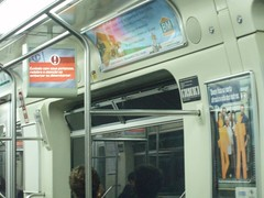 small screens inside SP metro