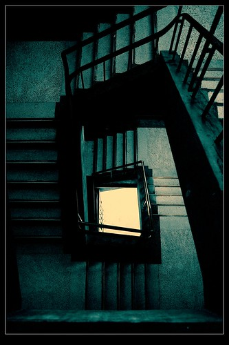 Assassin.Chen 拍攝的 人生就像爬樓梯。