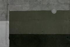 duplex horizon (LichtEinfall) Tags: moon wall composition mond erpe khd tourwithbarbmwandardalarm img4238aex raperre urbancubism