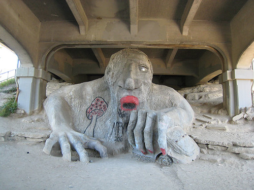 Troll under Aurora Bridge