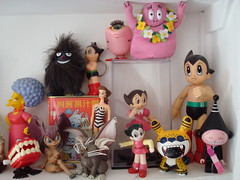 MY STUFF (Toypincher) Tags: new old eye vintage toys treasure teeth manga barbie things plastic thesimpsons clockwork moomins astroboy stinky dunny tenchi mightyatom winduptoys vyniltoys barbarpapa toysshelf batbirl