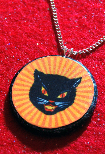 vintage black cat pendant