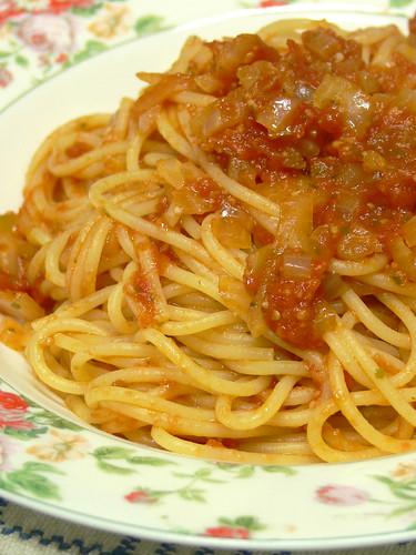 スパゲティ・ポモドーロ(シンプルなトマトソーススパゲティ)
