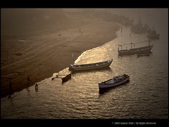 Bhatye back-waters, Ratnagiri.. (Gaurav_Patil) Tags: morning columbus india home nature landscape marine jetty 1855mm 30d konkan ratnagiri canon30d