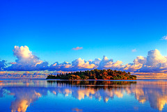 Colourful Evening (matey_88) Tags: reflection island evening colourful majid maldives matey mohamed mywinners irresistiblebeauty goldenphotographer uniquemaldives theperfectphotographer