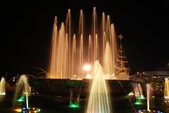 Untitled (James Sarmiento) Tags: fountain mallofasia