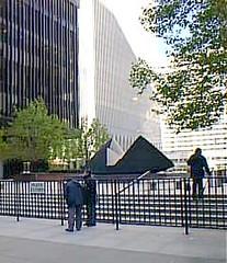 nyc0003 World Trade Center Plaza, New York 2000 (CanadaGood) Tags: nyc newyorkcity people sculpture usa ny newyork color colour building tree green art america person 2000 manhattan worldtradecenter un streetphoto wtc 2000s canadagood