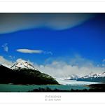 El glaciar Perito Moreno en la lejanía