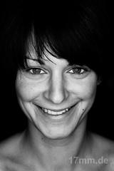 Jennifer (17mm.de) Tags: people face gesicht sw frau kopf blackwhitephotos