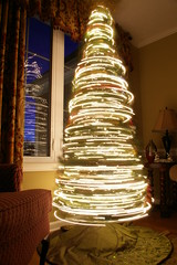 Spinning Christmas Tree (by JasonAndMelissa)