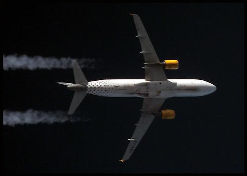 Vueling Airlines A320-214 EC-KBU