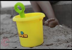Just play (ƒlรƒคђ ) Tags: بحر رمل اطفال لعب تراب طفوله فوكس