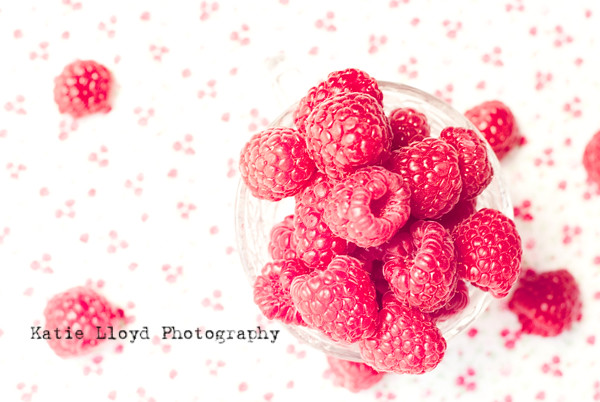 Raspberries-in-cup---bleach