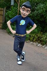 "Meeting Lewis in Adventureland (Castles, Capes & Clones) Tags: paris france disney adventureland disneycharacters disneylandparc meettherobinsons wilburrobinson paris"" ""disneyland ""marnelavallée"""