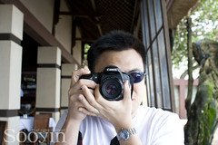Me, taking a pic of you (sooyin) Tags: bali canon350d seminyak gado