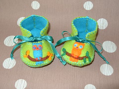 lime and teal handmade baby booties with wonderful owl motifs (Funky Shapes) Tags: uk flowers baby love colors birds kids shoes autum handmade felt zapatos yarn gift booties owls bebes babygift handstich funkyshapes babyclothing babyslippers etsybaby