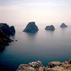 Pointe de Penhir (perfilmnim) Tags: bretagne manual manualfocus robs rocas rolleicord bretaa cameraclassic perfilmnim pointedepenhir