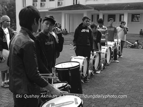 the marching band drummers 2