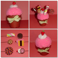 mini flowerpot cupcake pincushion with sweet sewing pins toppers (yifatiii) Tags: strawberry pin candy sweet cream sew polymerclay fimo biscuit cupcake swap marshmallow icing jelly roll sculpey flowerpot pincushion lollipop topper layercake premo coldporcelain sewingpins porcelanaenfro porcelanaenfrio