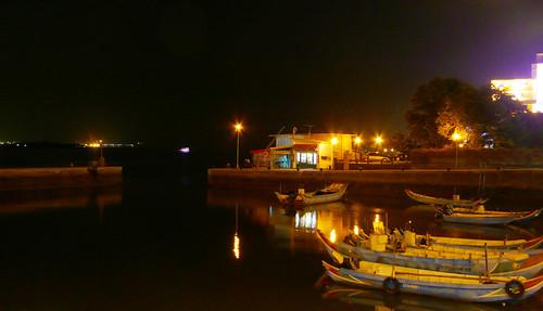 午夜的淡水第一漁港,Prost Bar